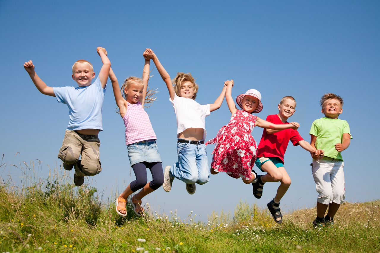 Happy Kids Jumping 1280x853